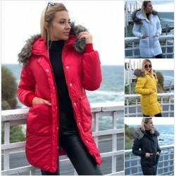 Женская удлиненная куртка с мехом на капюшоне 12138A